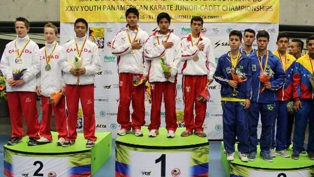 Esta selección de Karate ganó la medalla de bronce en el Sudamericano de Brasil en junio. (Difusión)