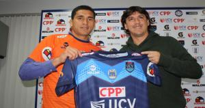 Jesús Álvarez junto a Jean Ferrari, gerente deportivo de César Vallejo. (Sharles Hernández)