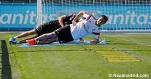 Chicharito es el cuarto mexicano en el Real Madrid. Antes estuvieron José Sauto, José Borbolla y Hugo Sánchez. (Real Madrid)
