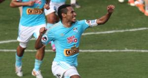 Carlos Lobatón quiere jugar dos años más al fútbol. (USI)