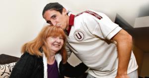 La mamá de Germán Alemanno llegó para el nacimiento de su hija. (Leonardo Fernández)