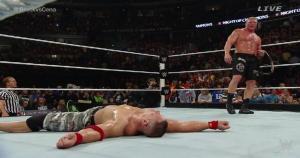 Brock Lesnar perdió ante John Cena pero retuvo su cinturón. (WWE)