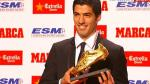 Luis Suárez recibió la Bota de Oro como goleador de la temporada 2013-14 - Noticias de esposa de messi