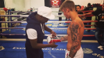 Floyd Mayweather le da clases de boxeo a Justin Bieber (VIDEO) - Noticias de justin bieber