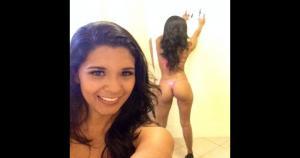 Rocío Miranda se unió a la ola de belfies, que es tomarse fotos frente a un espejo para mostrar las curvas.