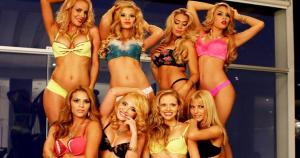 Mauricio Diez Canseco confesó sentirse atraído por una de las nuevas 'Chicas Doradas'.
