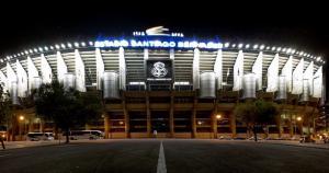 El Santiago Bernabéu abrió por primera vez sus puertas el 14 de diciembre de 1947 en un partido entre el Real Madrid Club de Fútbol y Os Belenenses de Portugal. (Internet)