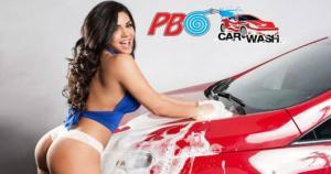 Vania Bludau posteó en su cuenta oficial de Facebook las imágenes de una sesión de fotos para un car wash. (Facebook) / (SZ)