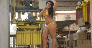 Vania Bludau hizo una sesión de fotos para una empresa de ladrillos. (Foto: zonabase.net)/(SZ)