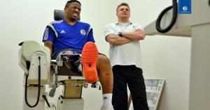 Además de Jefferson Farfán, el bosnio Sead Kolasinac también se encuentra en proceso de recuperación en el Schalke. (Schalke 04)