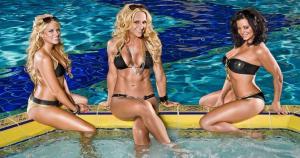 Kelly Kelly, Michelle McCool y Candice Michelle desbordan sensualidad por donde se le mire. (WWE) / (MRM)