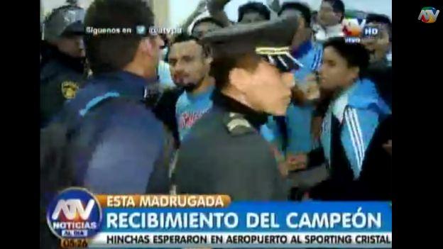 Alianza Lima y Sporting Cristal arribaron a Lima el jueves por la noche. (ATV Noticias)