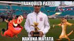 Paolo Guerrero fue víctima de los memes por recibir el trofeo Mickey Mouse / FOTOS - Noticias de dibujo