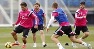 Ayer, Lucas Silva cerró un día intenso, en el que firmó su contrato con el Real Madrid, fue presentado y realizó su primer entrenamiento. (GettyImages) (AO)