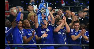 El Chelsea celebrando el título gando ante Tottenham por la Copa de la Liga. (Getty Images)