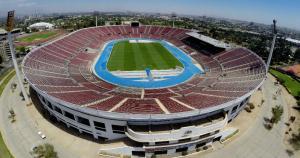 El Estadio Nacional, situado en la capital chilena de Santiago, cuenta con una capacidad de 48 mil espectadores, y será la sede de la esperada final. (Fuente: AFP)