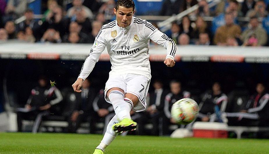Cristiano Ronaldo, delantero del Real Madrid,  acumula una fortuna aproximadamente de 232 millones de dólares. El título en Champions League y el galardón en el Balón de Oro ayudaron a aumentar sus ingresos. (Getty)