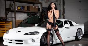 Megan Retzlaff es una modelo estadounidense de 22 años que se ha confesado una apasionada por los autos. (AutoSports)