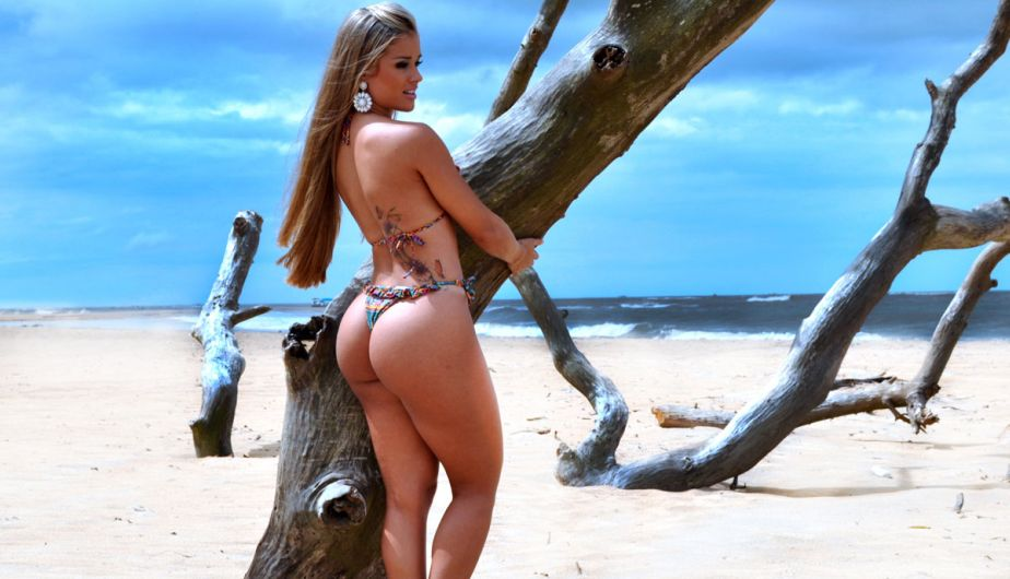 Женщины дикий пляж фото