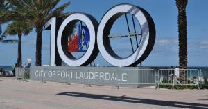 Fort Lauderdale se ubica en el estado de Floria, tiene 114 años de creación y sus costas son bañadas por el Ocesano Atléntico. (Expedia)