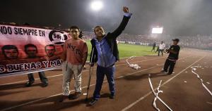 Carlos 'Kukín' Flores fue ovacionado por los hinchas de Sport Boys. (Fernando Sangama)