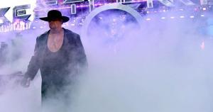 The Undertaker regresó desde las tinieblas para su combate ante Bray Wyatt. (WWE)