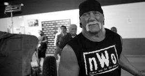 Hulk Hogan ayudó a Sting en el WrestleMania 31. (WWE)