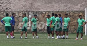 Franco Navarro juntó el equipo titular de César Vallejo que jugará ante Alianza Lima. (Fernando Sangama)