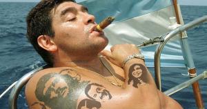 Diego Maradona es un caso muy conocido. Siendo unos de los mejores cayó en este vicio, pero pudo recuperarse.  (Getty Images)