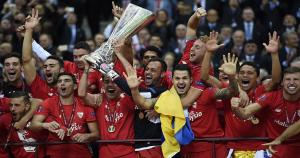 Sevilla se coronó bicampeón de la Europa League por segundo año consecutivo. (AFP)