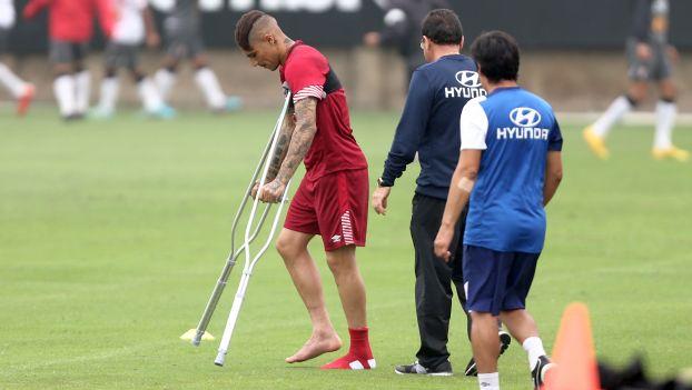 Paolo Guerrero se lesionó y preocupa a la Selección.