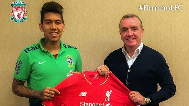 Liverpool: Roberto Firmino ya posa con su nueva camiseta