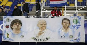 Argentina y Paraguay juegan por el pase a la final de la Copa América 2015 en Concepción, Chile. (AFP)