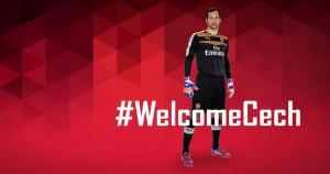 Petr Cech dejó el Chelsea y firmó por el Arsenal. (Facebook del Arsenal)