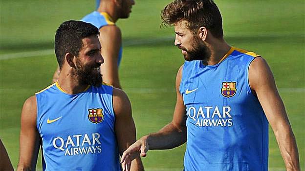 Barcelona gerard piqu la hace de agente inmobiliario de - Agente inmobiliario barcelona ...