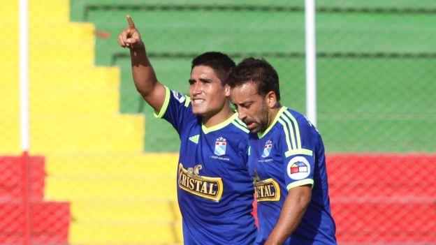 Sporting Cristal venció 2-1 a León de Huánuco y sigue en la pelea por el título