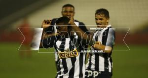 El delantero de Alianza Lima Carlos Preciado celebró su conquista a su estilo. (Erick Nazario)