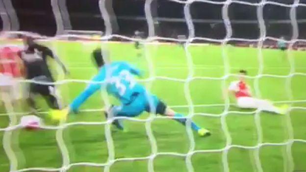 Arsenal: Cech y la milagrosa atajada que lamentó el Liverpool