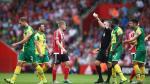 YouTube: árbitro expulsó a futbolista enseñándole su libreta (VIDEO)