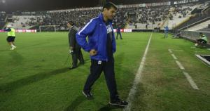 El técnico de Alianza Lima, Gustavo Roverano, respaldó al equipo a pesar de la derrota. (Erick Nazario)