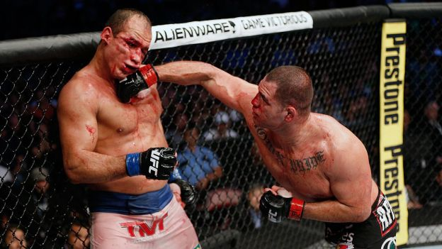 Caín Velásquez fue campeón pesado de la UFC de 2012 a 2015. (UFC)