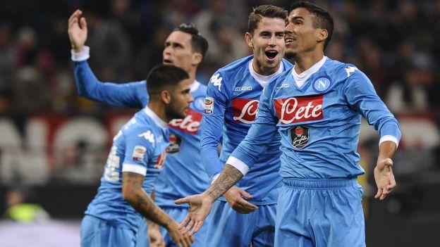 AC Milan cayó goleado 4-0 contra Napoli en la fecha de 7 de la Serie A