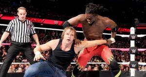 Uno de los duelos iniciales fue el enfrentamiento en pareja entra Dean Ambrose y Randy Orton contra Big E y Kofi Kingston. Vencieron los integrantes de The New Day. (WWE)