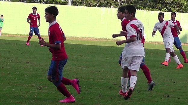 Sudamericano Sub 15: Selección Peruana derrotó 3-1 a Chile en su despedida