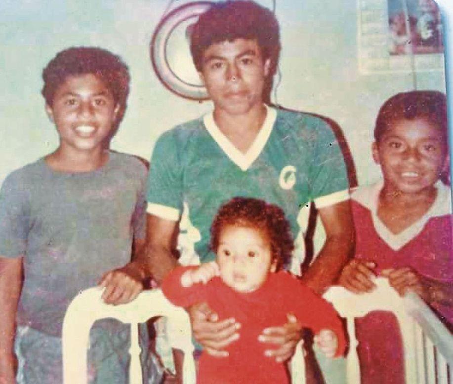 Resultado de imagen para Paolo Guerrero y hermanos