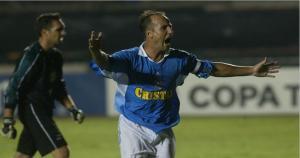 Luis Albeto Bonnet se cansó de marcar goles con Cristal, pero no consiguió despedirse en el Rímac.