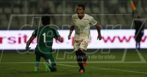 A Raúl Ruidíaz le anularon un gol por posición adelantada. Luego se sacó el clavo. (Fernando Sangama)