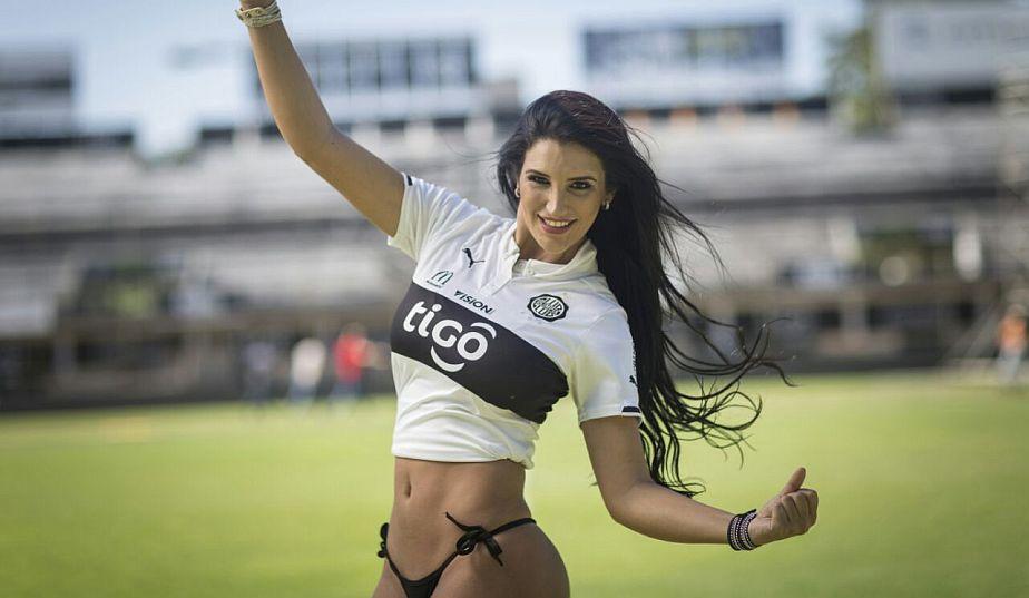 Luana Chamorro es hincha de Olimpia desde los 17 años. Siempre va a la popular sur a alentar a su equipo. (Difusión)