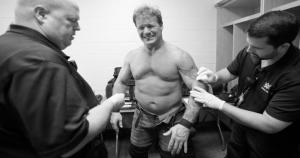 Chris Jericho perdió ante Dean Ambrose en la 'Lucha de Manicomio' en Extreme Rules. (WWE)