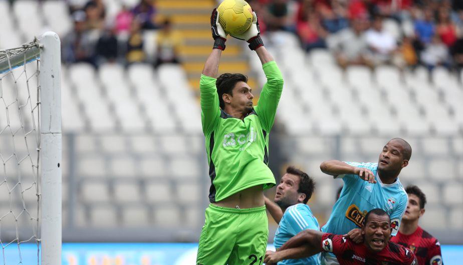 Daniel Ferreyra tuvo problemas con el cupo de extranjeros y tuvo que abandonar Melgar. Actualmente juega a préstamo en Boys.